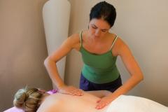Alexandra Künstler, Awina Massage München, Aromaölmassage, entspannte Massagen