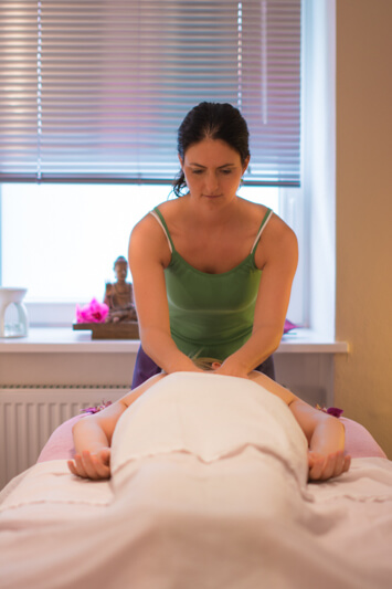 Awina Massage München, Alexandra Künstler, Massagegutscheine