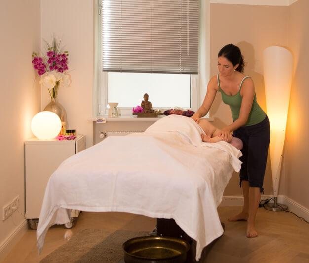 Lomi Lomi Massage München, Entspannungsmassage, Massagegutscheine